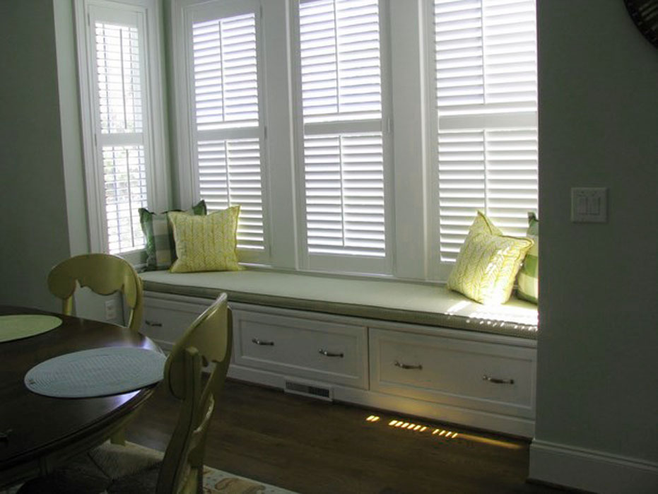 Interior Design For Your Bay Window Cushions : Curtain Rods, Custom Furniture And Style